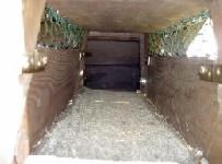 Innenansicht der Brücke = Durchgang vom Stall in den Garten (2005)